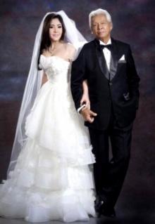 ฉลอง ภักดีวิจิตร แต่งงานสาววัย 38 ปี หลังคบแค่ 5 เดือน