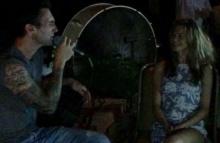 ซึ้งอินสุดๆ!! อดัม มารูนไฟว์ ร้องเพลงหวานให้ภรรยาในวันฉลองครบรอบแต่งงาน1 ปี (มีคลิป)