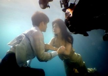 เบื้องหลังฉากจิกหมอน เจมส์ มาร์ & คิมเบอร์ลี่ จูบกันใต้น้ำ(คลิป)