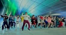 """""""ไซ"""" นักร้องเกาหลีสร้างกระแสทั่วโลกด้วยเพลงแหวกแนว"""