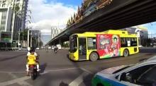 คนบริสุทธิ์เกือบตาย #เพราะรถเมล์ฝ่าไฟแดง!!