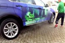 เมื่อราดน้ำร้อนๆ ลงบนรถ BMW งานศิลปะชิ้นเยี่ยมก็ปรากฏ!