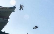 VIRAL ขั้นเทพ !! คลิปนินจานักเรียนสาวญี่ปุ่นกระโดดจากตึกสูง