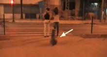 โซเชี่ยลถกแหลก! '2สาวนี่'ข้ามถนนผิดกฏ อายหมามั้ย!?