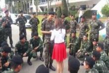Surprise สุดน่ารัก ทหารขอแฟนแต่งงาน กลางค่าย