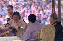 เก็บไว้ในความทรงจำ!!คลิปในหลวง พระราชินี และพระเทพฯ เสด็จ ทุ่งมะขามหย่อง