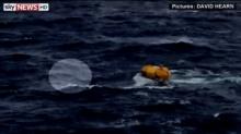 เรือดิสนีย์ช่วยหนุ่มตกเรือสำราญ!!! หลังลอยคอนาน 5 ชม.