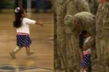 น่ารักม๊าก!!!นาทีหนูน้อยวิ่งกอดคุณพ่อทหาร ไม่ได้เจอกัน9 เดือน!!