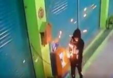 นาที2โจรพยายามงัดตู้บุญเติม แต่สุดท้ายล้มเหลว!!