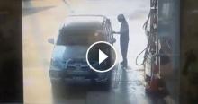 กระบะตีเนียนเติมน้ำมันไม่จ่ายเงิน พนังงานเติมน้ำมันโดนหักเงิน