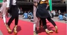 นางแบบสาว สวมส้นสูง เดินพรมแดง แต่ล้มต่อหน้าคนดู 2 รอบ จนเกิดเหตุสุดพีค ทำคนฮือฮาชุลมุน! (คลิป)