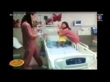 สุดซึ้ง!!! 2 พยาบาลสาวเต้นให้กำลังใจหนูน้อยป่วยมะเร็ง