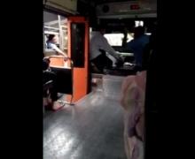 ชาวเน็ตจวบยับ รถเมล์ ตะโกนด่า หลังขับแย่งผู้โดยสาร !!