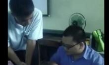 เมื่อนักเรียนร้องเพลงอ้อนวอนขอคะแนนจากอาจารย์ เจออาจารย์ตอบกลับแบบนี้ เงิบถอยกลับเบา ๆ เลย