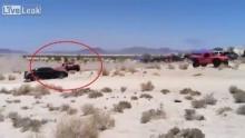 ชมวินาทีช็อค! รถเเข่งชนผู้ชมดังสนั่น เม็กซิกันดับอนาถกลางทะเลทราย