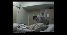 หนุ่มตั้งกล้องบ้านพักคนชรา สำรวจชีวิตแม่ ทำเขารู้ตัวว่า ที่แห่งนี้คือ นรก