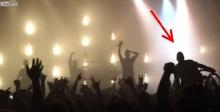 ร็อคเข้าเส้น!! หนุ่มวีลแชร์ไม่ยอมแพ้ชีวิต ขอมันส์สุดๆในคอนเสิร์ต