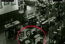 สะพรึง!! กล้องวงจรถ่ายจะจะ ผีในร้านอาหาร ปัดข้าวของตกจากโต๊ะอาหาร