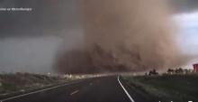 ใกล้ๆชัดๆ พายุทอร์นาโดลูกใหญ่มาก!!!