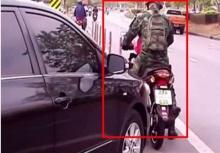 สุดยอด!!ทหารใจเด็ดขวางรถ ใช้ถนนไม่เคารพวินัยจราจร!!
