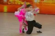 การเต้นรำขั้นเทพของเด็กน้อย