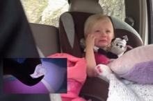 เมื่อพ่อแอบจับภาพลูกสาวดูการ์ตูนซึ้งจนร้องไห้