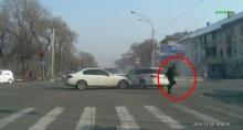 เฮ้ย! โจรขโมยรถ ขับชนแล้วชิ่งหนี