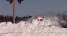 จะเกิดอะไรขึ้น? เมื่อรถไฟความเร็วสูงวิ่งชนกำแพงหิมะ!!!