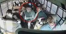นาทีระทึก!! นร.ชาย เข้าบังคับ รถบัสหลังคนขับเป็นลมหมดสติ