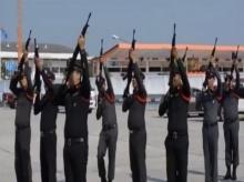 ฮาลั่น คลิปฝึกระเบียบแถวสไตล์ตำรวจ ชาวเน็ตแซวกันสนุก!!