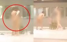 ช็อก! 2 หนุ่มแก้ผ้าล่อนจ้อน กลางสถานีรถไฟฟ้า ก่อนจะทำสิ่งที่พีคหนักต่อหน้าคนนับร้อย! (คลิป)