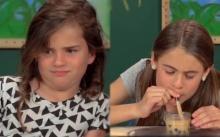พีคแรงมาก! นี่คือความรู้สึกของ เด็กฝรั่ง ที่ได้กินชานมไข่มุก !! (คลิป)
