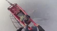 โคตรเสียว! สองหนุ่มพาปีนตึกเซียงไฮ