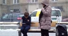 วัดใจคน! เมื่อเด็กคนหนึ่งต้องทนหนาวสั่น คุณจะทำอย่างไร?