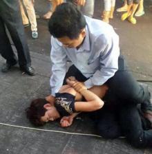 ฮีโร่ตัวจริง !! คนขับรถเมล์ช่วยจับตัวนักล้วงกระเป๋าผู้โดยสาร