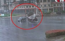 ระวังให้หนัก!!ขับรถผ่านแยกไม่มีสัญญาญไฟ เกือบตายแล้วไหมล่ะ