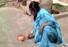 ร้อนหนัก!!สาวโชว์ทอดไข่บนพื้นประชดความร้อนกว่า45องศาฯ