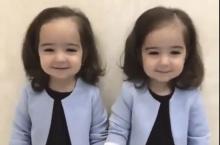 โอ้ยน่ารักอะไรเบอร์นั้นจ๊ะลูก อยากมีลูกแฝด (ชมคลิปชวนอมยิ้ม)