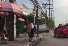 คลิปเรื่องราวดีดี เด็กไทยน่าชื่นชม พาคนแก่ข้ามถนน