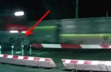 1 วินาทีแห่งความตาย โดดหนีรถไฟไม่พ้นชนเต็มๆ