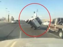 โชว์เก๋า! ซิ่งรถสองล้อจนเกือบตาย