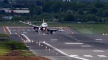 เจ๋งจริง!! นักบินเซียนๆนำเครื่องลงเขาทำอย่างไร หวาดเสียวจริงๆ