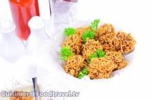 มาม่าหมูโสร่ง Deep Fried Wrapped Pork with Noodle