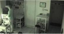แชร์ว่อนคลิปน่าขนลุก เจ้าของบ้านติดตั้งกล้องไว้ทั้งคืน พอเปิดดูถึงกับอึ้ง