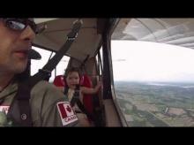 'หนูน้อย' ทำแบบนี้หลัง นั่งเครื่องบินผาดโผนครั้งแรก . ..'คุณพ่อ' ถึงกับ ตะลึง!