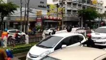 รถกระบะชนเกาะกลาง-พลิกคว่ำ #วงเวียนใหญ่