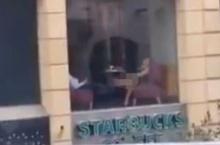 สาวทำเรื่องสุดฉาวในร้านกาแฟดัง มีแฟนหนุ่มถ่ายวิดีโอให้