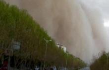 คลิปนาทีระทึก!! พายุทรายลูกยักษ์ ถล่มจีน