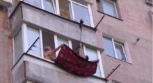 สุดเสียว! ช่วยแมวที่ริมหน้าต่าง
