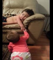 พี่ชายจะเป็นไง? เมื่อน้องสาวปลุกให้ตื่น